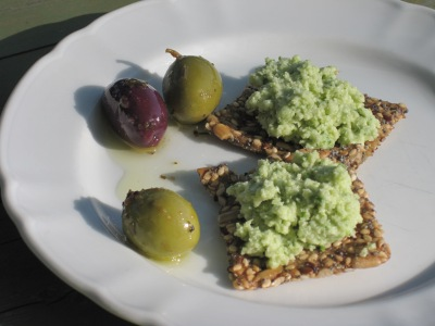 Saurkraut Pesto on Seed Crackers